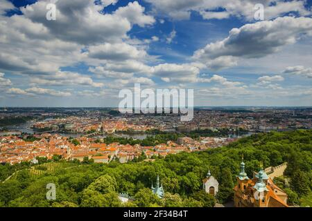 Geografia / viaggio, Czechia, Boemia, panorama da Laurenziberg, Praga, Czechia, Freedom-of-Panorama Foto Stock