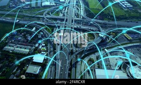 Smart Digital City Highway con grafica di globalizzazione della linea astratta della rete di connessione. Concetto di città digitale wireless intelligente 5G del futuro e.