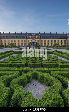Geografia / viaggio, Germania, bassa Sassonia, Hannover, parterre orangerie con fontana Nettuno e balcone dei giardini Herrenhausen, proprietà di rilascio