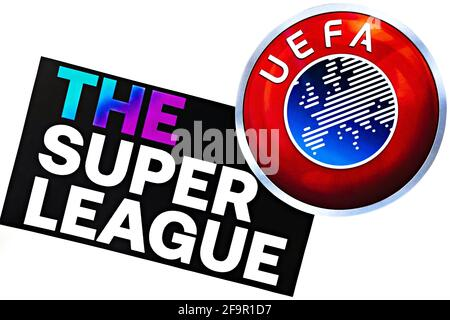 Foto editoriale sul tema Super League vs UEFA. Foto illustrativa per notizie sul confronto tra Super League e UEFA