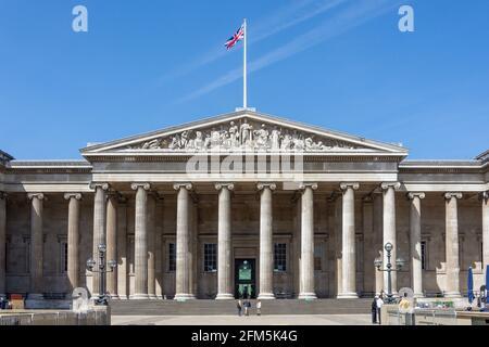 Ingresso principale, il British Museum, Great Russell Street, Bloomsbury, London Borough of Camden, Greater London, England, Regno Unito