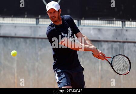 Tennis - ATP Masters 1000 - Italian Open - Foro Italico, Roma - 12 maggio 2021 Andy Murray in Gran Bretagna durante la formazione REUTERS/Guglielmo Mangiapane