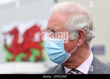Il Principe del Galles durante una visita a BCB International, fornitore di attrezzature di protezione, mediche e di difesa, a Cardiff. Data immagine: Venerdì 14 maggio 2021.