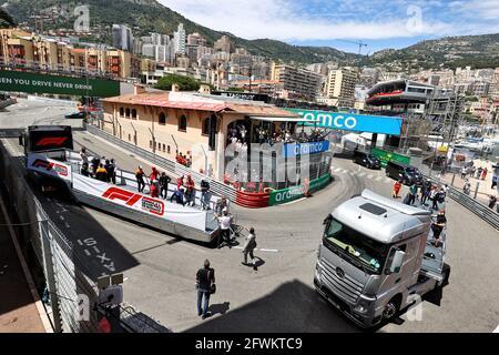 Monte Carlo, Monaco. 23 maggio 2021. Sfilata di piloti. Gran Premio di Monaco, domenica 23 maggio 2021. Monte Carlo, Monaco. Credit: James Moy/Alamy Live News