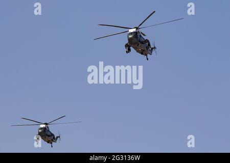Londra, Regno Unito. Il presidente DEGLI STATI UNITI Joe Biden e la First Lady degli Stati Uniti che lasciano Londra Heathrow su Marine One Helicopter sulla strada per il Castello di Windsor per incontrare la Regina 13 giugno 2021 credito: Martin Evans/Alamy Live News