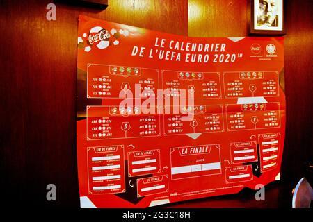 I bar si preparano prima della partita Francia-Germania durante L'EURO 2020, a Parigi, in Francia, il 15 giugno 2021. Foto di Karim Ait Adjedjou/Avenir Pictures/ABACAPRESS.COM