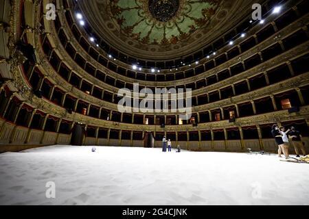 Roma, Italia. 20 Giugno 2021. Teatro Argentina. Spiaggia istituita da Lina Lapelyte, Vaiva Grainyte e Rugile Barzdziukaite Credit: Agenzia indipendente di Foto/Alamy Live News