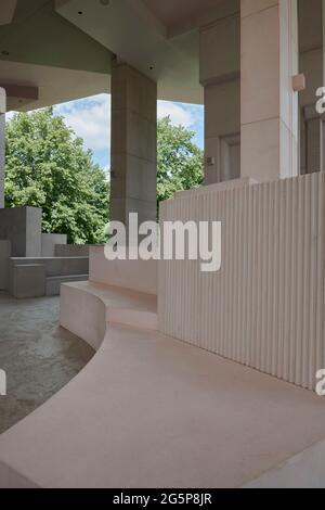 Serpentina Pavillion 2021 progettato dallo studio di architettura Counterspace, Londra, Regno Unito