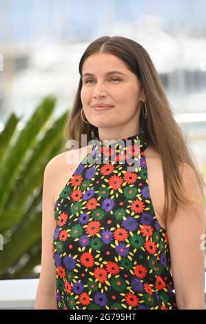 Cannes, Francia. 12 luglio 2021. CANNES, FRANCIA. 12 luglio 2021: Laetitia Casta alla fotocellula per la Crociata al 74a Festival de Cannes. Credito immagine: Paul Smith/Alamy Live News