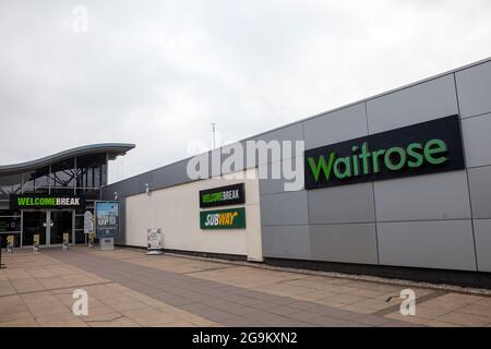 La fermata London Gateway della M1 si trova appena fuori Londra, Regno Unito