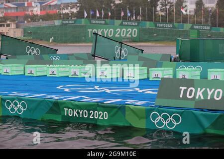 Tokyo, Giappone. 27 luglio 2021. TOKYO, 27-07-2021, Odaiba Marine Park, Tokyo 2020 Giochi Olimpici, triatlon Donna, inizio del Triathlon (Foto di Pro Shots/Sipa USA) *** World Rights eccetto Austria e Paesi Bassi *** Credit: Sipa US/Alamy Live News