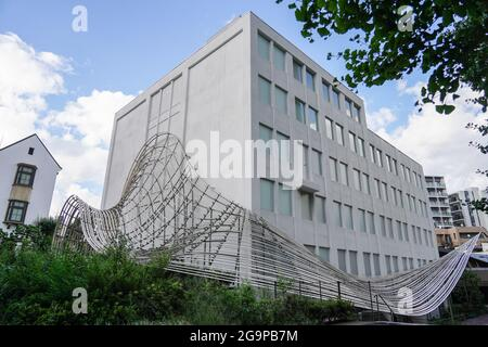 Tokyo, Giappone. 27 luglio 2021. La biblioteca Haruki Murakami si trova nel campus della Waseda University. L'Università fu fondata nel 1882 da Okuma Shigenobu, una delle più antiche università private del Giappone. Credit: SOPA Images Limited/Alamy Live News