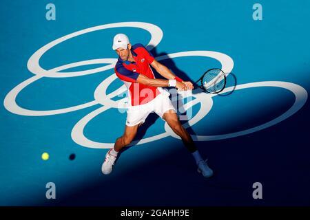 Tokyo, Giappone. 31 luglio 2021. Il serbo Novak Djokovic in azione contro il spagnolo Pablo Carreno Busta durante la medaglia di bronzo di tennis per i Giochi Olimpici 2020, all'Ariake Tennis Park di Tokyo, Giappone, 31 luglio 2021. Credit: Kai Foersterling/EFE/Alamy Live News