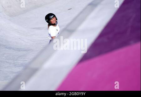 Great Britain's Sky Brown durante una sessione di allenamento all'Ariake Skateboard Park il decimo giorno dei Giochi Olimpici di Tokyo 2020 in Giappone. Data immagine: Lunedì 2 agosto 2021.