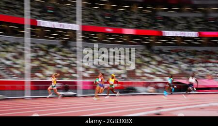 Tokyo 2020 Olimpiadi - Atletica - Donne 200m - Semifinale - Stadio Olimpico, Tokyo, Giappone - 2 agosto 2021. Gli atleti competono REUTERS/Aleksandra Szmigiel