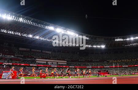 Tokyo 2020 Olimpiadi - Atletica - Donne 10000m - Stadio Olimpico, Tokyo, Giappone - 7 agosto 2021. Atleti in azione REUTERS/Aleksandra Szmigiel
