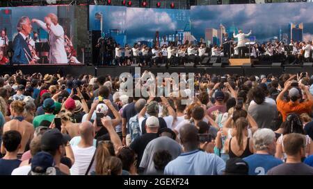 """Il cantante lirico italiano Andrea Bocelli si esibisce durante il """"We Love NYC: The Homecoming Concert"""" al Central Park di New York City, New York, USA, il 21 agosto 2021. REUTERS/Eduardo Munoz"""