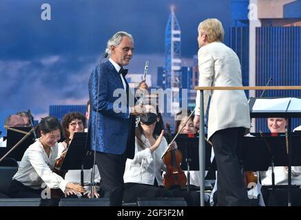 NEW YORK, NEW YORK - AGOSTO 21: Andrea Bocelli suona sul palco della New York Philharmonic durante We Love NYC: The Homecoming Concert prodotto da NYC, Clive Davis e Live Nation il 21 agosto 2021 a New York City. (Foto di John Atashian)
