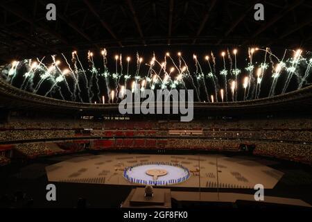 Tokyo, Giappone. 24 agosto 2021. Fuochi d'artificio, 24 AGOSTO 2021 : Tokyo 2020 cerimonia di apertura dei Giochi Paralimpici allo Stadio Olimpico di Tokyo, Giappone. Credit: YUTAKA/AFLO SPORT/Alamy Live News