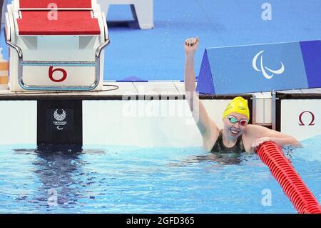 Tokyo, Giappone. 25 ago 2021. Patterson Lakeisha d'Australia celebra dopo la finale S9 Freestyle della donna di 400 m di nuoto ai Giochi Paralimpici di Tokyo 2020 a Tokyo, Giappone, 25 agosto 2021. Credit: CAI Yang/Xinhua/Alamy Live News