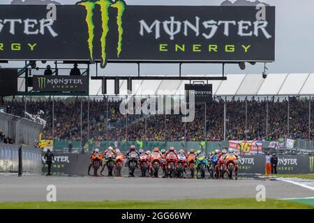 Silverstone Circuit, Silverstone, Northamptonshire, Regno Unito. 29 agosto 2021. MotoGP Gran Premio di Gran Bretagna, Race Day; l'inizio del Gran Premio di Gran Bretagna Credit: Action Plus Sports/Alamy Live News
