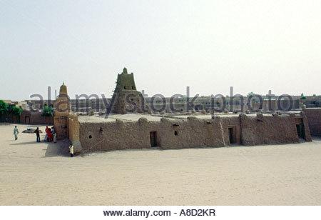 Timbuctu città in Sub Sahara Mali, Africa occidentale. L'antica universita islamica moschea di Sankore in centro Foto Stock