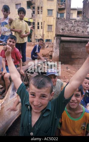 Ragazzi giocare in strada Lebenon Beirut Foto Stock
