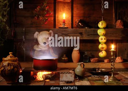 A cucinare qualcosa. Foto Stock