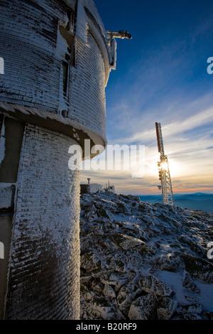 Il Mount Washington's Osservatorio sul monte Washington nel mese di gennaio. Foto Stock