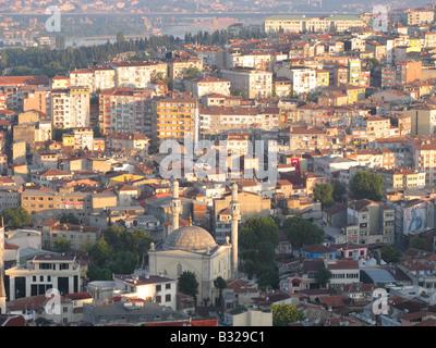 ISTANBUL, Turchia. Un inizio di mattina vista su Tepebasi quartiere da Beyoglu distretto della città. 2008. Foto Stock