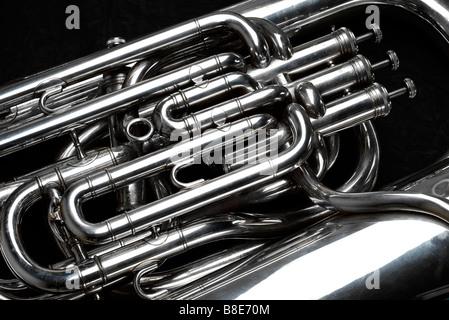 Eb tuba in argento con 4 valvole, dettaglio Foto Stock
