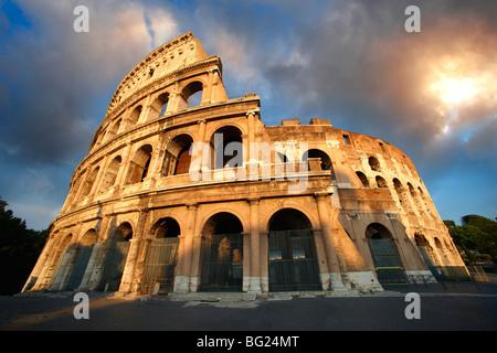 Colosseo Colosseo () . Roma Foto Stock