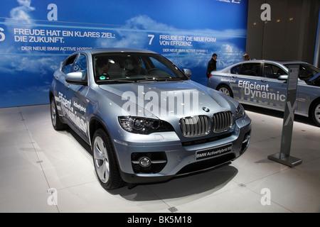 BMW ActiveHybrid X6 presso l'Auto Mobil International (AMI); Motor Show 2010 a Lipsia, Germania Foto Stock