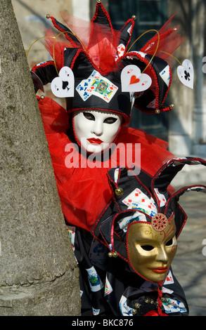 In costume di carnevale partecipante del Gesuiti quartiere di Venezia, Italia Foto Stock