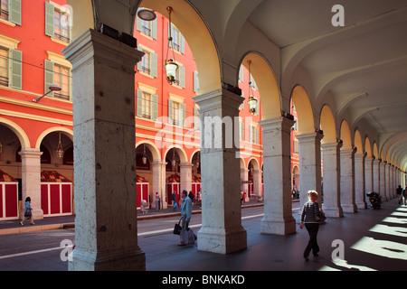 Scena di strada nel centro di Nizza sulla Costa Azzurra (Cote d'Azur) Foto Stock