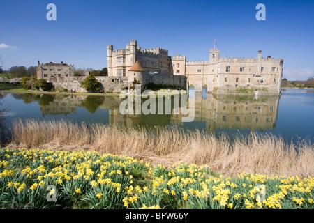 Il Castello di Leeds in primavera, Kent, Regno Unito. Foto Stock