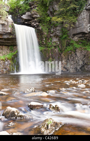 Thornton vigore cascata sul Ingleton waterfall trail, North Yorkshire Foto Stock