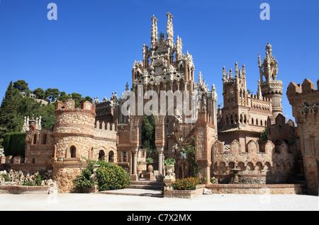 Castillo Monumento Colomares, un castello dedicata a Cristoforo Colombo, Benalmadena Pueblo, vicino a Malaga, Spagna Foto Stock