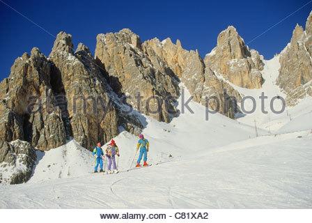 L'Italia, Veneto, Cortina, piste da sci e il monte Creste Bianche Foto Stock