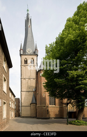 Köln, San Kunibert Foto Stock