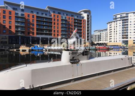 Royal Armouries Museum di U-boat presentano dal pontile. Clarence Dock, Leeds, West Yorkshire, Inghilterra, Regno Foto Stock