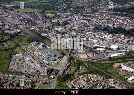 Vista aerea di Darlington College e la città di Darlington Foto Stock