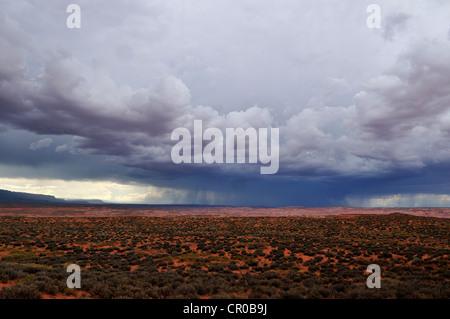 Monsoon temporale sopra il plateau di Escalante, Scalone Escalante National Monument, Utah, Stati Uniti d'America, Foto Stock