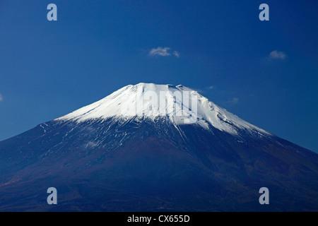 Il monte Fuji vista dal lago Yamanaka-ko Giappone Foto Stock