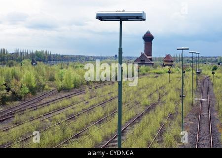 Ferroviarie dismesse cantiere di smistamento, Duisburg, Renania settentrionale-Vestfalia (Germania). Foto Stock