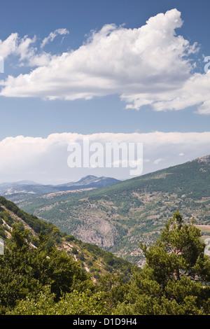 Guardando verso la zona delle Montagne du Buc in Rhone-Alpes. Foto Stock