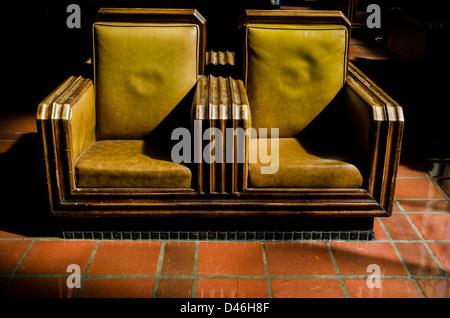 Posti a sedere nell'area di attesa della Union Station di los angeles Foto Stock