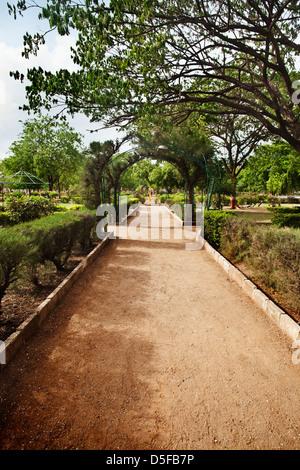 Passeggiata in un parco, Rajkot, Gujarat, India Foto Stock