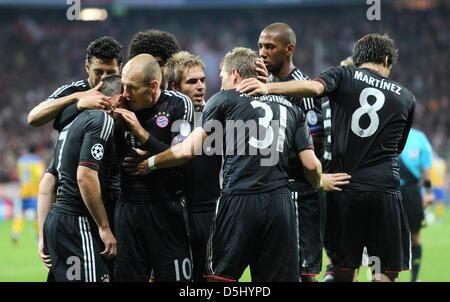 I giocatori di Monaco Franck Ribéry (l-r), Arjen Robben, Philipp Lahm, Bastian SCHWEINSTEIGER, Jérôme Boateng e Foto Stock