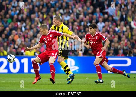(L-R) Bastian SCHWEINSTEIGER (Bayern), Sven Bender (Dortmund), Javier Martinez (Bayern), 25 maggio 2013 - Calcio Foto Stock
